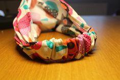 Bandana Bib Pattern, Mama Cloth, Baby Car Seats, Jewelry, Motifs, Bandanas, Sew, Wide Headband, Head Wrap Headband