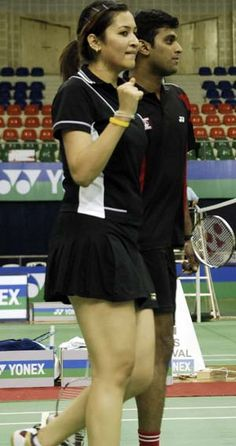 India's ace badminton player Jwala Gutta has backed tennis star Sania  Mirza's claims that the manner in which the All India Tennis Association  used her as bait to pacify an unhappy Leander Paes reeked of male  chauvinism, and said it has been a long standing problem in Indian  sports.