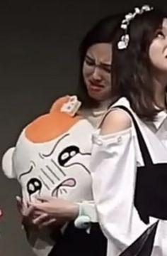 Nayeon, Meme Faces, Funny Faces, Kpop Girl Groups, Kpop Girls, Girl Facial, Signal Twice, She Belongs To Me, Twice Photoshoot