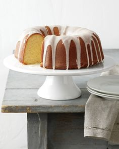 Bright and beautiful, this Bundt cake has tangerine x two; zest in the batter and juice in the glaze. Have a slice with a cup of tea, we're sure you'll enjoy it.Get the Tangerine Cake with a Citrus Glaze Recipe Just Desserts, Delicious Desserts, Yummy Food, Cake Recipes, Dessert Recipes, Tangerine Recipes Desserts, Tropical Desserts, Orange Recipes, Muffins