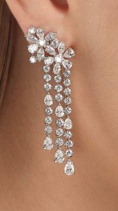 Diamond Earrings Indian, Diamond Chandelier Earrings, Diamond Earing, Diamond Drop Earrings, Diamond Pendant, Jewelry Design Earrings, Tiny Earrings, Ear Jewelry, Bridal Earrings