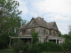172 best abandoned homes for sale images abandoned houses rh pinterest com