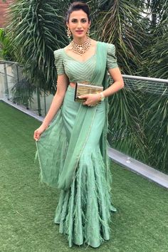 6 Indian Blouse Designs That Make For Perfect Bridal Inspiration For You, Straight Off The Runway Saree Jacket Designs, Saree Blouse Neck Designs, Fancy Blouse Designs, Choli Designs, Sari Blouse, Sleeve Designs, Indian Wedding Outfits, Indian Outfits, Bridal Outfits
