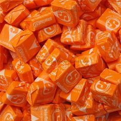 I ❤ COLOR NARANJA ❤ Mango Melon Orange Starburst Candy from Temptation Candy. What's better than Tropical Starburst candy. Rainbow Aesthetic, Orange Aesthetic, Aesthetic Colors, Aesthetic Collage, Orange Pastel, Jaune Orange, Orange Color, Orange Orange, Yellow
