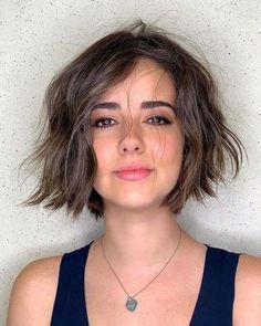 Haircuts For Wavy Hair, Short Bob Haircuts, Messy Hairstyles, Short Hair Cuts, Short Wavy Bob, Bobs For Wavy Hair, Layers For Short Hair, Haircut Wavy Hair, Short Bob Round Face