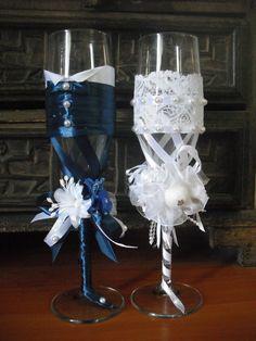 фужеры на свадебный стол жениха и невесты  https://www.facebook.com/farida.ahtyamova/media_set?set=a.656589264415694.1073741844.100001938795474&type=3