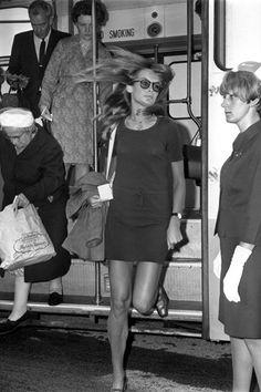 Jean Shrimpton arriving at Heathrow Airport on route to Toronto, 1967
