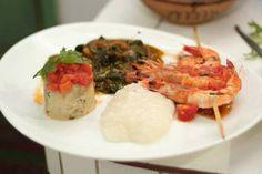 Camarão vacilão e Acaçá de Mariscos do chef Alicio Charoth - http://chefsdecozinha.com.br/super/receitas/frutos-do-mar/camarao-vacilao-e-acaca-de-mariscos-do-chef-alicio-charoth/ - #AlicioCharot, #Bahia, #Camarão, #Flica, #Superchefs