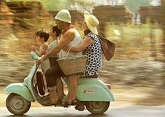 Old photos of Italian familis | Vintage-Italy---Family-Ride