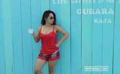 "Chef Marinka wanita cantik berusia 37 tahun yang bernama asli Maria Irene Susanto yang tak lain adalah juru masak selebriti Indonesia, dengan 207 ribu pengikut di akun instagramnya.Dengan tubuh seksinya yang montok terlebih ukuran payudara Chef Marinka yang berukuran besar bikin followernya nggak kuat nahan hehe… ""Gemes ingin ngeremes katanya,"" berikut komentar di akun Instagramnya:@mahesandi11: Montok sangat@gusbentogusbento: Kpan nikah cantikkkkkkk@rifenggintings : Cocok@liamkurniawan :"