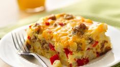 Breakfast recipes don't get much easier than this Gluten Free Impossibly Easy Breakfast Bake. It doesn't even matter that it's gluten-free, because you won't notice! Bisquick recipes like this are always a hit and this one's perfect for brunch. Gluten Free Breakfast Casserole, Baked Breakfast Recipes, Breakfast Bake, Sausage Breakfast, Brunch Casserole, Breakfast Souffle, Breakfast Cassarole, Hashbrown Breakfast, Overnight Breakfast