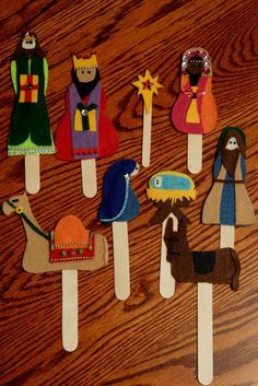 Mom and I crafted these felt Popsicle stick puppets for my nephew Kyler. The first night we got carried away and stayed up til midnight -. Nativity Crafts, Christmas Nativity, Christmas Crafts For Kids, Christmas Activities, Christmas Projects, Kids Christmas, Holiday Crafts, Christmas Decorations, Christmas Ornaments