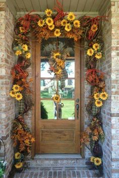 Diy Fall Door Decor Awesome 25 Best Fall Front Door Decor Ideas and Designs for 2020 Autumn Decorating, Porch Decorating, Decorating Ideas, Fall Home Decor, Autumn Home, Autumn Fall, Christmas House Lights, Christmas Decor, Holiday Decor