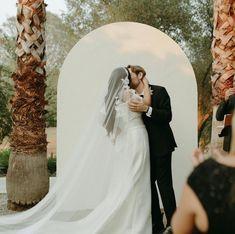 Bride Brenda wears the Carmen veil Bridal Bun, Bridal Hair, Headpiece Wedding, Wedding Veils, White Wedding Dresses, Wedding Dress Styles, Juliet Cap Veil, Chapel Length Veil, Ivory Veil