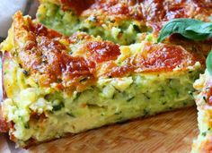 Oh Quelle Quiche ! Pasta Quiche mit Zucchini und WW Feta Bathtub Repairs FAQ A bath tub is a relaxin Easy Healthy Recipes, Healthy Cooking, Easy Dinner Recipes, Vegetarian Recipes, Easy Meals, Zucchini Noodle Recipes, Recipe Zucchini, Zucchini Quiche, Zucchini Noodles