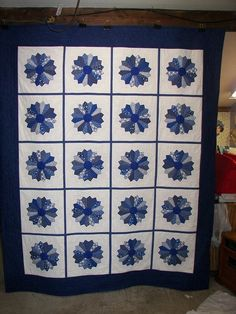 "Get Inspired By These Gorgeous, User-Kim Putnam: ""Since you posted a very pretty Dresden thought you would enjoy seeing my Blue and White one.""Dresden Plate Quilts! - 24 Blocks"