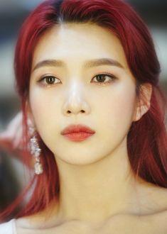 Image about kpop in ♥ red velvet ♥ by Bbibbi ♡ – aquadisappeared – Hair Red Red Velvet Joy, Velvet Hair, Pink Velvet, Black Velvet, Seulgi, Irene, Red Velet, Red Rooms, Joy Rv