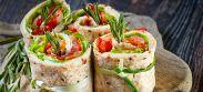 Ingrédients :- tranches de pain de mie sans croûte- fromage frais, fromage blanc...- saumon fumé, jambon...