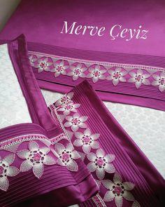 Madame C, Needle Lace, Linen Bedding, Elsa, Crochet, Instagram, Display Case, Crocheting, Lace