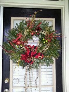 I made this! I have discovered I LOVE making wreaths!
