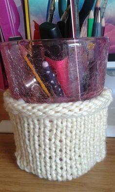 Pot à crayons en tricot