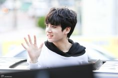 jungkook-young-2