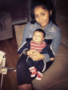Snooki Tweets Pictures Of Her and Lorenzo
