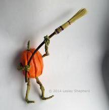 tutorial: miniature Halloween cobweb broom