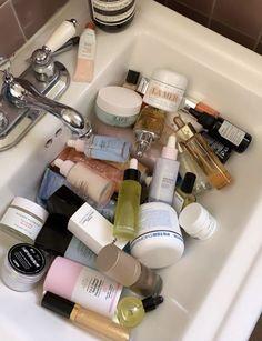 skin and beauty Beauty Care, Beauty Skin, Beauty Makeup, Beauty Hacks, Hair Beauty, Aesthetic Makeup, Shelfie, Beauty Essentials, Skin Makeup