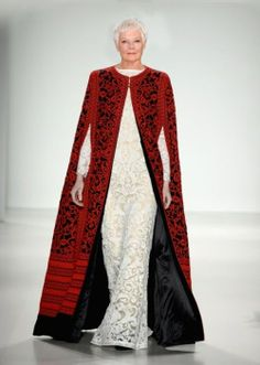 Tadashi Shoji - Runway - Mercedes-Benz Fashion Week Fall 2014 I don't like the dress cape together, but that cape is freaking majestic. New York Fashion, Runway Fashion, High Fashion, Fashion Show, Fashion Design, Fashion Trends, Tadashi Shoji, Haute Couture Style, Mercedes Benz