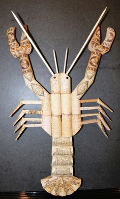 Cork Lobster, could use as a trivet for a seafood dinner! Wine Craft, Wine Cork Crafts, Wine Bottle Crafts, Diy Cork, Crafts To Make, Arts And Crafts, Wine Bottle Corks, Bottles, Wine Cork Projects