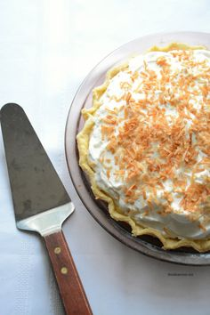 coconut-cream-pie recipe-dessert idea | theidearoom.net