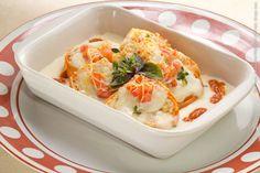Mousse Cake (almoço)    Rondele de frango e tomate fresco gratinado ao molho branco
