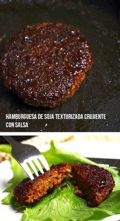Hamburguesas de soja texturizada crujientes con salsa
