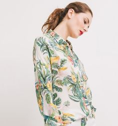 Koszula z krepy nadruk ecru - Promod