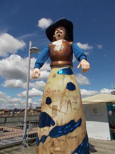 Samuel de Champlain, un géant du Québec Samuel De Champlain, Waist Skirt, High Waisted Skirt, Skirts, Fashion, World, Moda, High Waist Skirt, Skirt