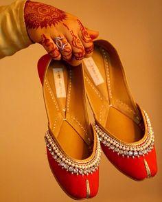 Panjabi jutti with simple stone work Wedding Shoes Bride, Bridal Shoes, Indian Bridal Week, Indian Shoes, Beaded Shoes, Beautiful Shoes, Instagram Fashion, Footwear, Punjabi Fashion