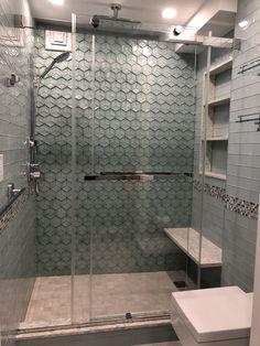 Best Creative Shower Doors Design Ideas for Bathroom Bathtub With Glass Door, Bathtub Doors, Shower Doors, Modern Shower, Modern Bathroom, Frameless Shower Enclosures, Bathroom Layout, Bathroom Ideas, Upstairs Bathrooms