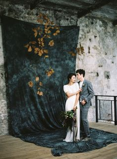 Retro Wedding Backdrop Ideas That May Impress You! Photography Props, Couple Photography, Wedding Photography, Outdoor Photography, Children Photography, Ceremony Backdrop, Backdrop Wedding, Jolie Photo, Gray Weddings