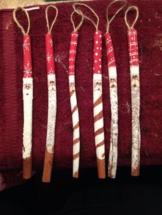 My Cinnamon Stick Santas - weihnachten - Häkeln Recycled Christmas Decorations, Christmas Crafts To Sell, Handmade Christmas Tree, Christmas Wood, Diy Christmas Ornaments, Christmas Projects, Holiday Crafts, Handmade Ornaments, Diy Gifts To Sell