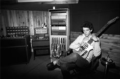 Lou Reed in a studio - 1977