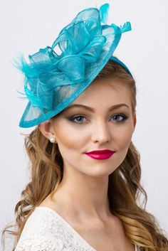 Baby pink /& navy fascinator chapeau//tout satin//highlight plume couleur