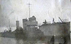 V-105 future ORP Mazur soon after arrival in Poland. Photograph taken in 1921 in port of Puck.