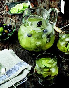 Happy Hour: Muscadine Sangria --> http://www.hgtvgardens.com/recipes/boozy-botanicals-muscadine-sangria?soc=pinterest