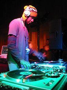 DJ ; lotss of music!