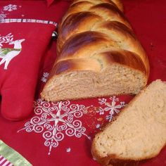 Pao Doce - Portuguese Sweet Bread video recipe from Tia Maria's Blog