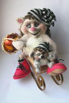 Darling felted hedgehogs...