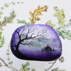 This unique and original fine art acrylic painting on a rock of a beautiful misty mountain lake scene with trees and mountain scenery. Pebble Painting, Pebble Art, Stone Painting, Stone Crafts, Rock Crafts, Easy Paintings, Original Paintings, Painted Rocks Craft, Rock Painting Ideas Easy