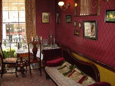Sherlock Holmes Museum - Sitting Room - London