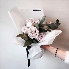 いいね!514件、コメント4件 ― 플로리스트 이주연 florist Lee Ju Yeonさん(@vanessflower)のInstagramアカウント: 「#vanessflower #vaness #flower #florist #flowershop #handtied #flowergram #바네스 #플라워 #바네스플라워 #플라워카페…」